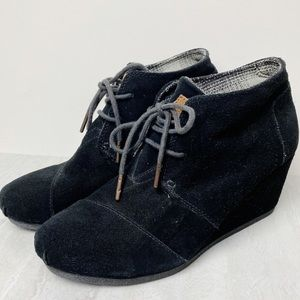 Toms Desert Wedge Suede Lace Up Booties